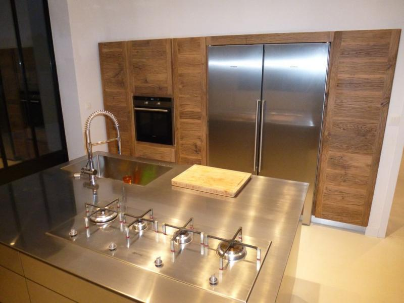 ilot central inox cuisiniste villeneuves les avignon 84 cuisines haut de gamme cuisine inox. Black Bedroom Furniture Sets. Home Design Ideas